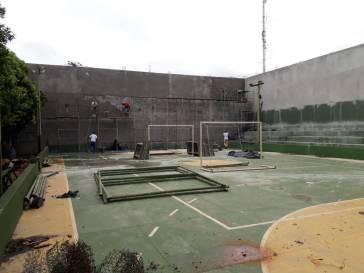 Prefeitura faz cobertura da quadra da Escola Sagrado Coração de Jesus