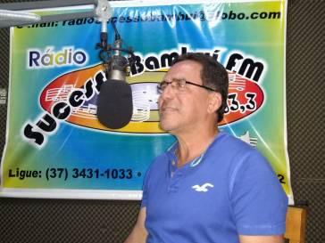 Prefeito Olívio concede entrevista às rádios