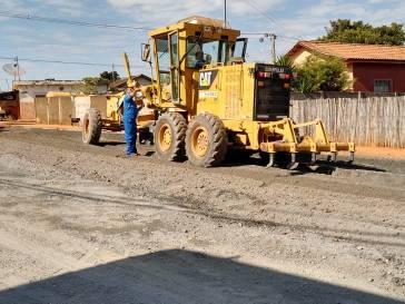 Prosseguem os trabalhos na rua Santo Antônio