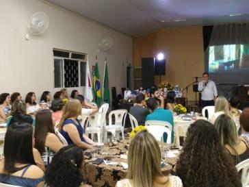 Prefeitura homenageia professores municipais
