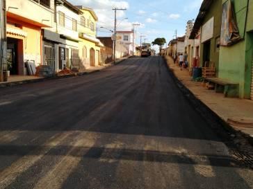 Prefeitura recupera mais duas ruas