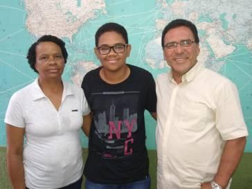Garoto transplantado visita prefeito
