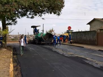 Prefeitura vai pavimentar mais ruas em Bambuí