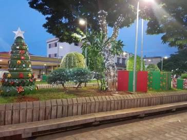 Atrações de Natal e Ano Novo na praça