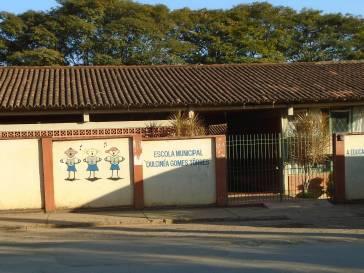 Escola Dulcinéa Gomes Tôrres é arrombada