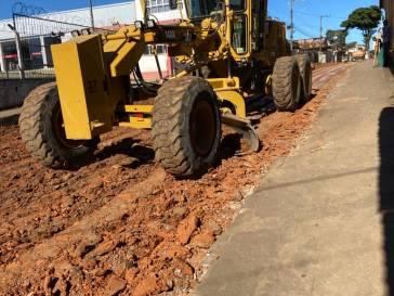 Prefeitura recupera trecho da rua do Comércio
