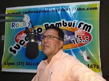 Prefeito concede entrevista às rádios