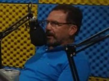 O prefeito Olívio retoma as entrevistas nas rádios