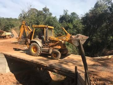 Ponte no São Leão é construída em parceria com produtores rurais